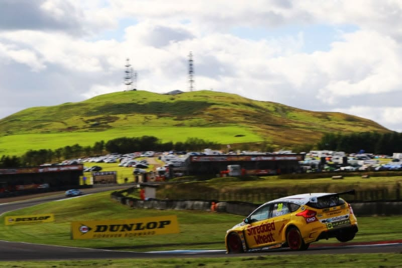 Victory for Team Shredded Wheat Racing with Gallagher at Knockhill