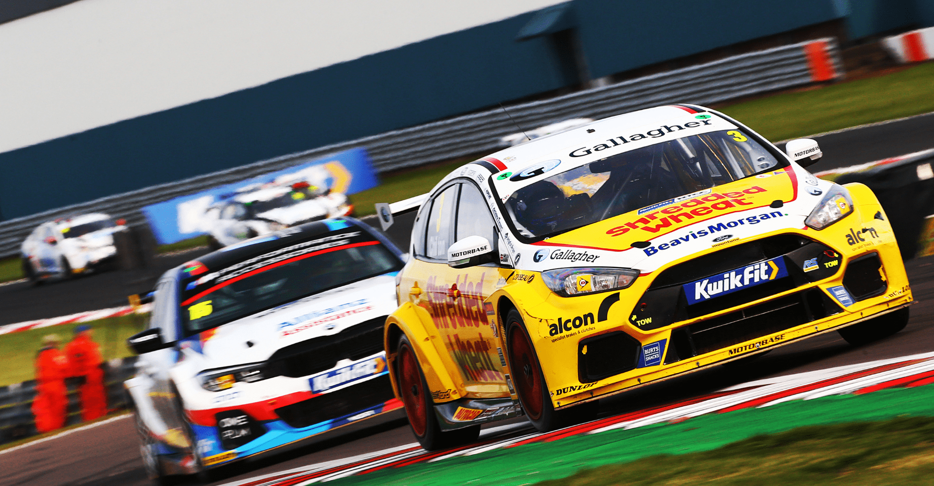 Team Shredded Wheat Racing with Gallagher takes Independent Championship lead at Donington Park