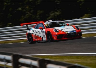 Dan Vaughan Porsche Carrera Cup GB motorbase oulton park 911