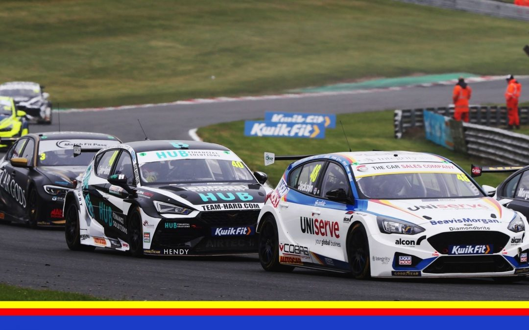 MIXED FORTUNES FOR MB MOTORSPORT ACCELERATED BY BLUE SQUARE AT BRANDS HATCH